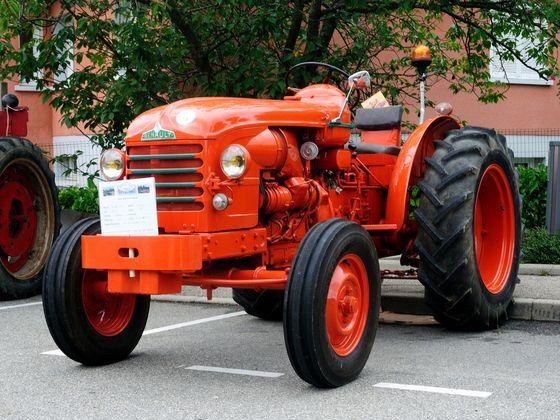 exposition tracteur.jpg