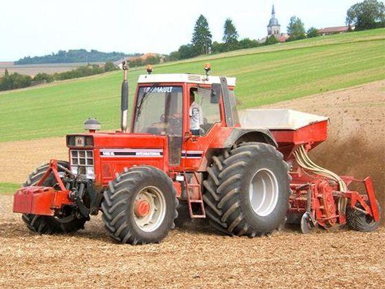 tracteur-renault.jpg