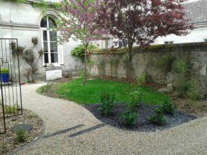 Entretien aménagement parc jardin.jpg
