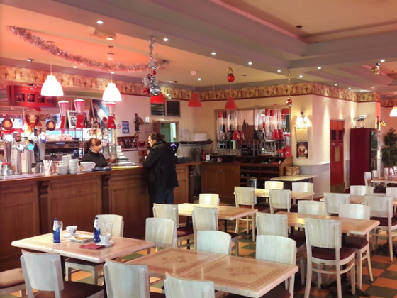 grande-salle restaurant-brasserie-pizzeria.png