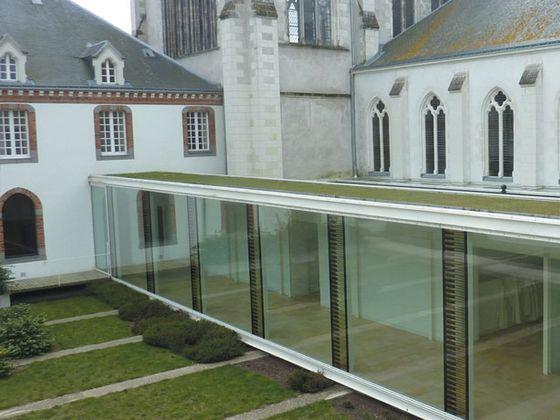 Abbaye cistercienne de Notre-Dame-des-Gardes.jpg