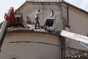 chantier réfection toiture tuile église.jpg