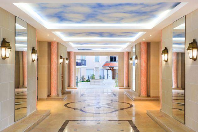 parties communes hall entrée marbre miroir.jpg