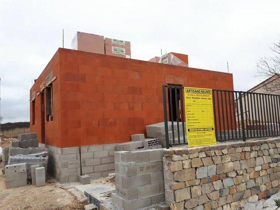 Construction en briques plancher étage coulé.jpg