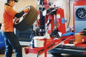 camionnette-atelier réparation.jpg