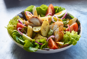 cuisine traditionnelle salade.png