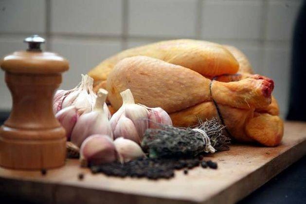 poulet élevé en plein air alimentation 100% végétale.jpg